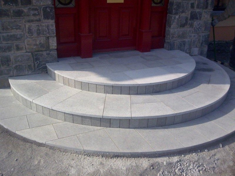 Cut-Silver-Granite-Step