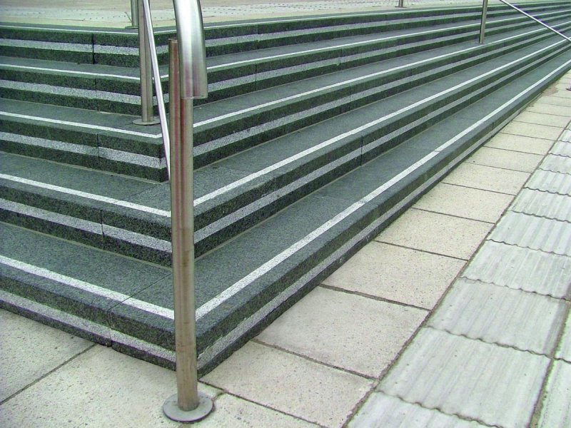Marshalls-Granite-Black-Steps-Leeds-1522