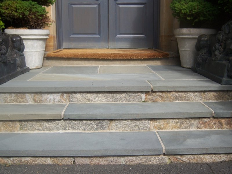 bluestone_treads_and_granite_risers